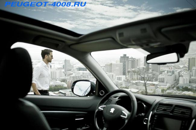 Интерьер Peugeot 4008