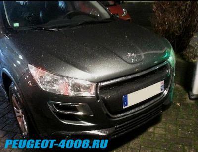 Серый Peugeot 4008