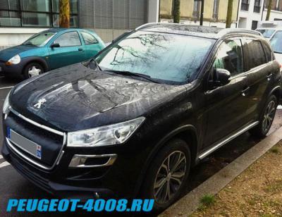 Черно синий Peugeot 4008
