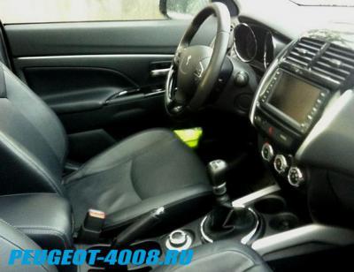 Салон Peugeot 4008