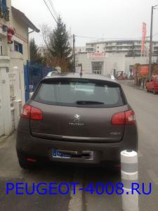 Коричневый Peugeot 4008