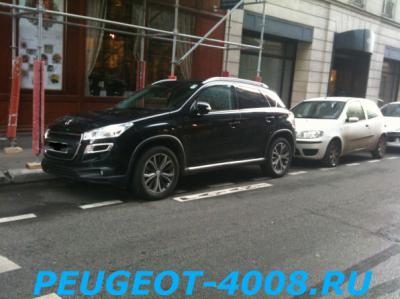 Черный Peugeot 4008